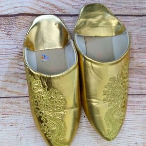 Morrocan flat leather slippers babouche gold sz 6